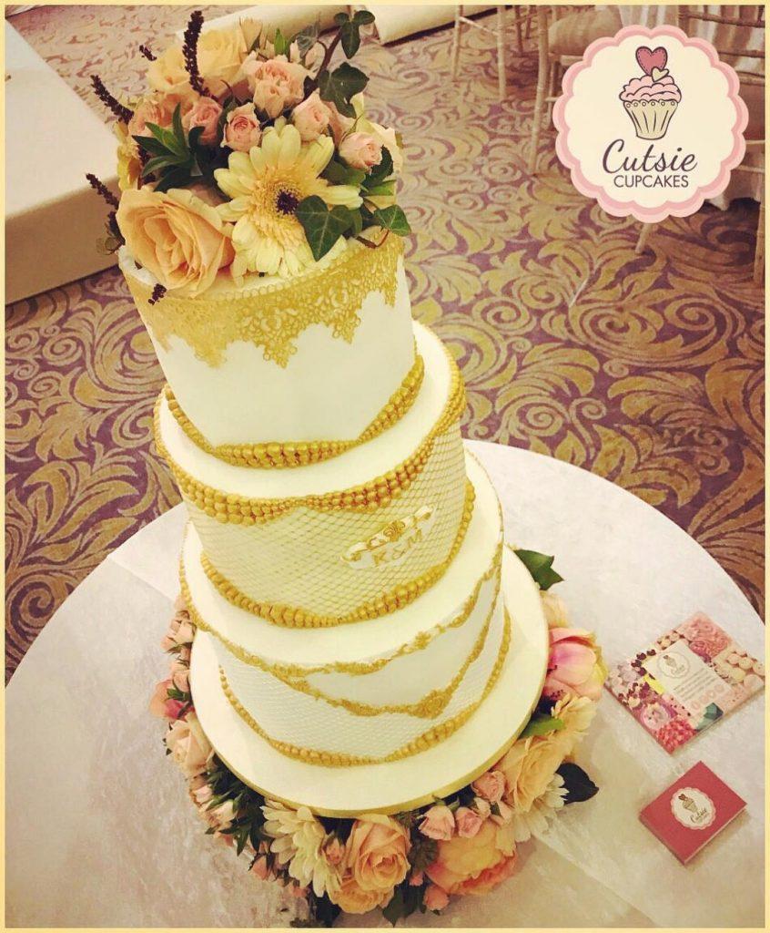 Wedding cake decorated with flowers – Matt Bailey